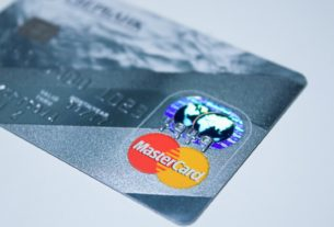 How To Avoid Credit Card Debts