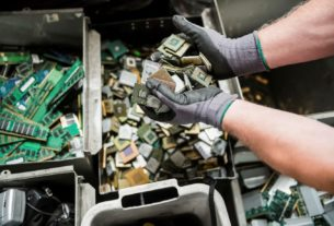 remove electronic waste products